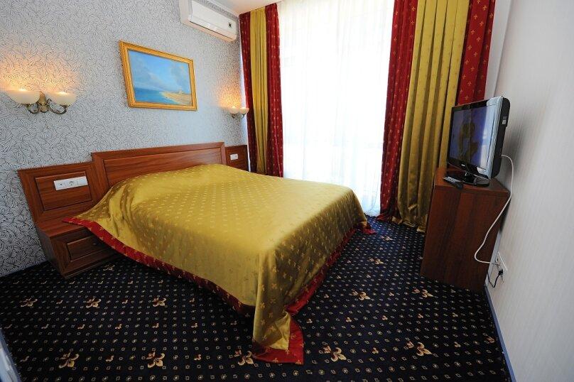 Люкс с 1 спальней и видом на море – корпус «Посейдон», улица Ефремова, 38, Севастополь - Фотография 1