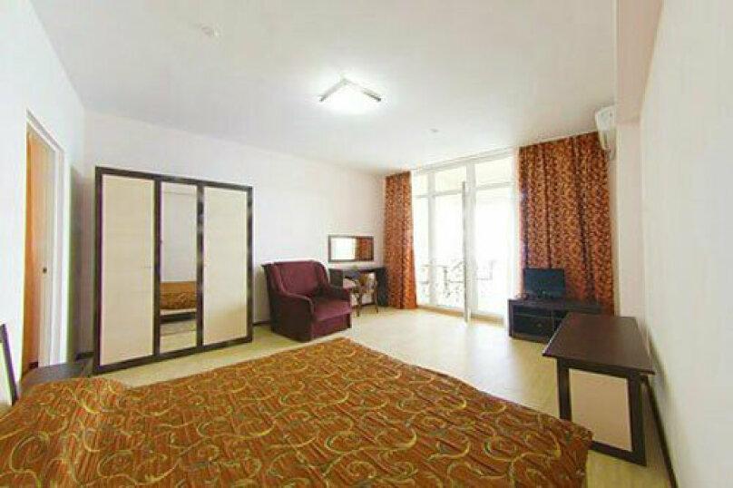 Люкс 2-х комнатный (2 корпус), Кеппена, 23, Алушта - Фотография 1