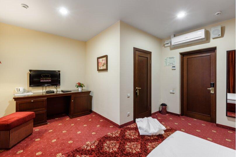 Клуб Отель Корона, Овражная улица, 35 на 38 номеров - Фотография 11