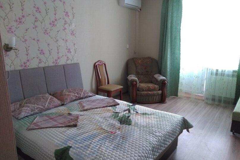 1-комн. квартира, 39 кв.м. на 4 человека, Октябрьская улица, 3, Ейск - Фотография 1