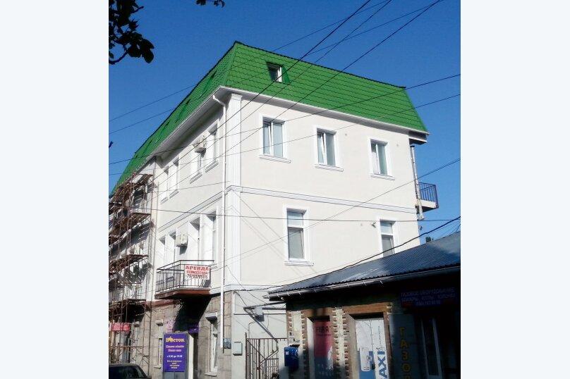 Эконом 3-х местный, улица Кирова, 106А, Ялта - Фотография 1