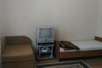Сдам  дом в частном секторе, 30 кв.м. на 4 человека, 1 спальня, улица Кирова, Евпатория - Фотография 3