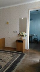 Сдам  дом в частном секторе, 30 кв.м. на 4 человека, 1 спальня, улица Кирова, Евпатория - Фотография 4