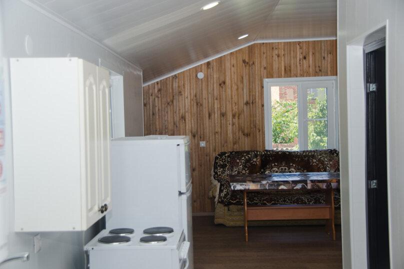 Дом с 3 спальнями , 120 кв.м. на 8 человек, 3 спальни, Победы , 150, Ейск - Фотография 9