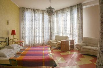 Полулюкс:  Квартира, 4-местный, 1-комнатный, Апартаменты Студио в Феодосии, Черноморская набережная, 5 на 12 номеров - Фотография 3