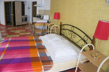 Полулюкс:  Квартира, 4-местный, 1-комнатный, Апартаменты Студио в Феодосии, Черноморская набережная, 5 на 12 номеров - Фотография 4