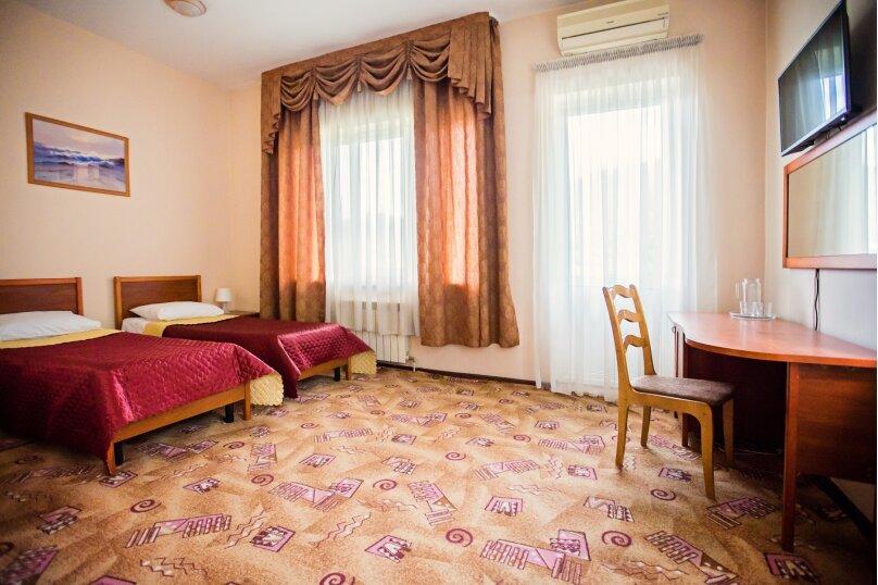 Двухместный номер с 2 отдельными кроватями и балконом, улица Мичурина, 5, Красная Поляна - Фотография 1