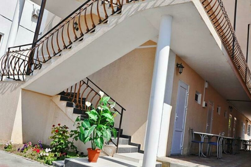 Гостевой дом «Лазурный берег», улица Мира, 125А на 15 комнат - Фотография 3