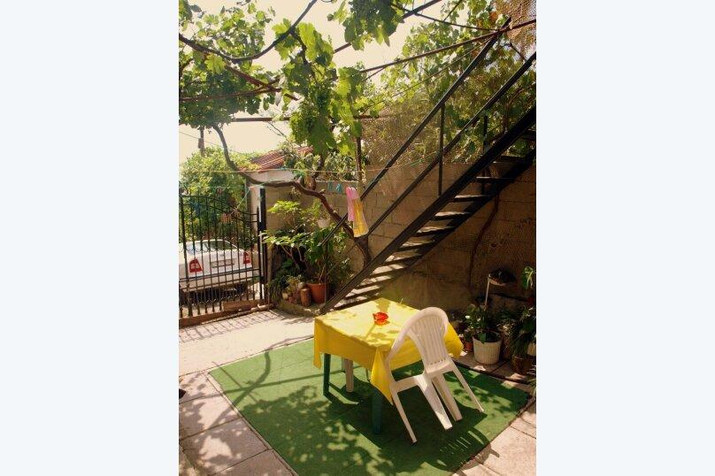Комнаты в частном доме на Изергина 16, улица Изергина, 16 на 4 комнаты - Фотография 2