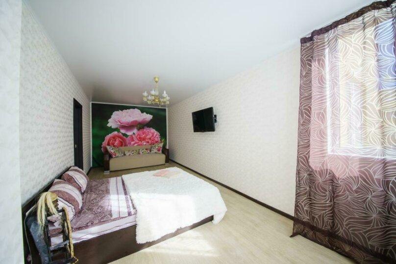 1-комн. квартира, 50 кв.м. на 4 человека, улица имени Пугачёва Е.И., 49А, Саратов - Фотография 1