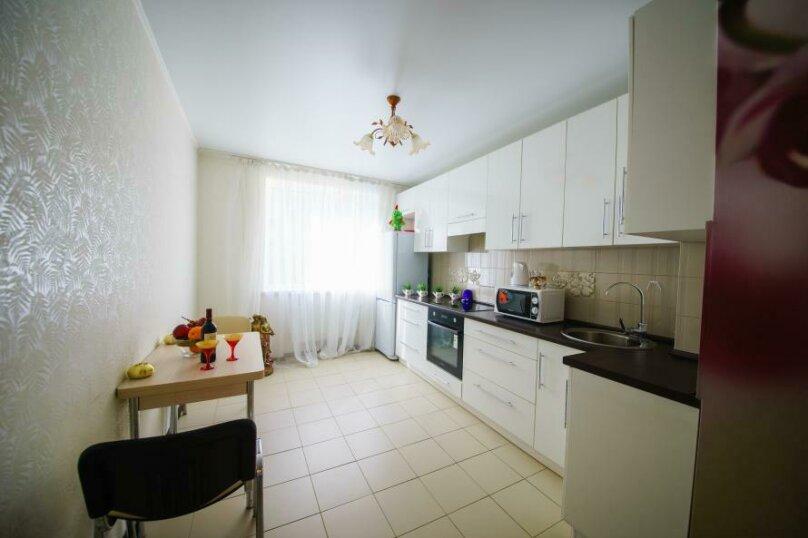 1-комн. квартира, 50 кв.м. на 4 человека, улица имени Пугачёва Е.И., 49А, Саратов - Фотография 6