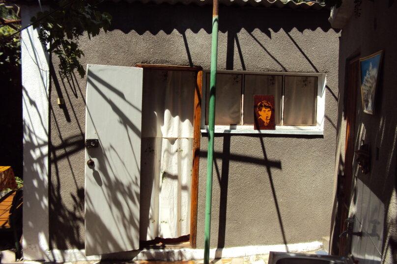 Итальянский дворик посуточно, улица Водовозовых, 9 на 3 номера - Фотография 17