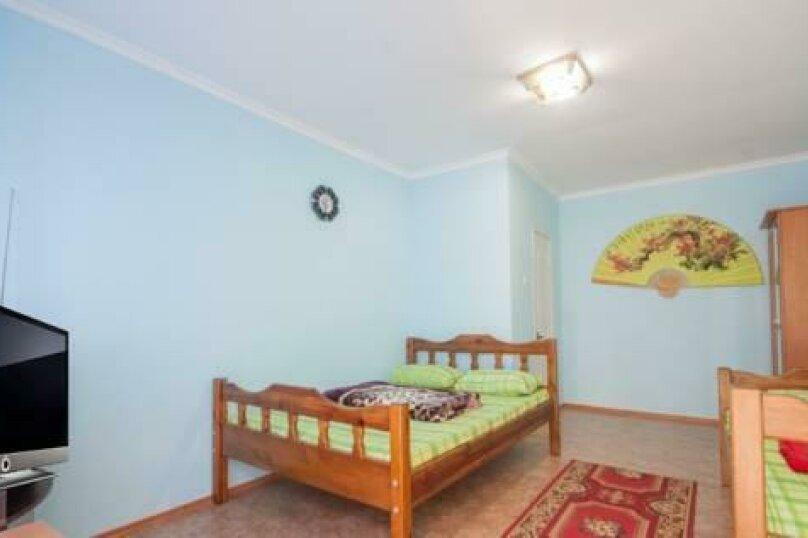 Трехместный номер бюджет с удобствами на этаже на три номера, улица Шёлковый Путь, 34, Судак - Фотография 4