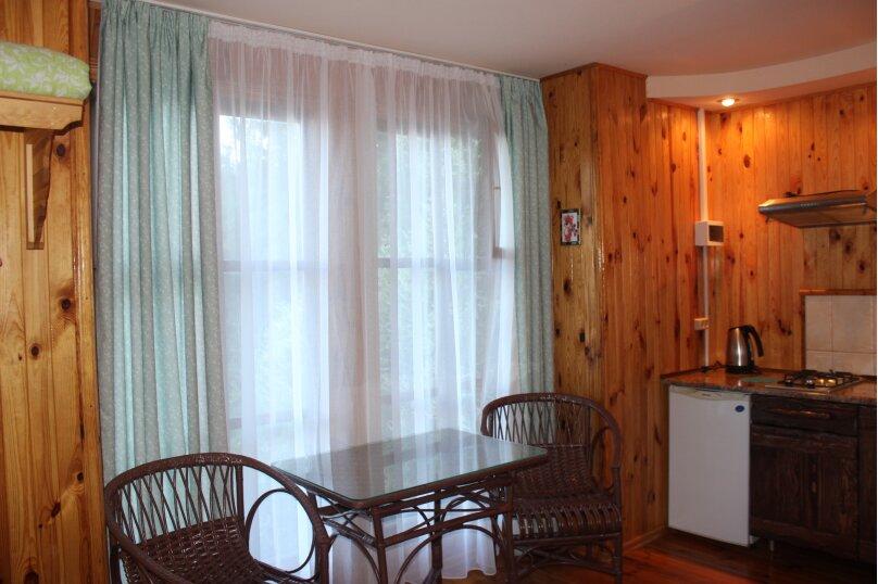 Уютный домик среди зелени, 18 кв.м. на 3 человека, 1 спальня, улица Ленина, 36, Алупка - Фотография 5