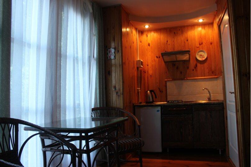 Уютный домик среди зелени, 18 кв.м. на 3 человека, 1 спальня, улица Ленина, 36, Алупка - Фотография 6