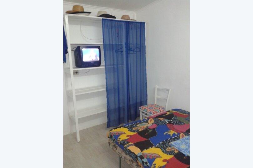 Домик для двоих рядом с Кипарисовой аллеей, 16 кв.м. на 2 человека, 1 спальня, Санаторный переулок, 13А, Судак - Фотография 6