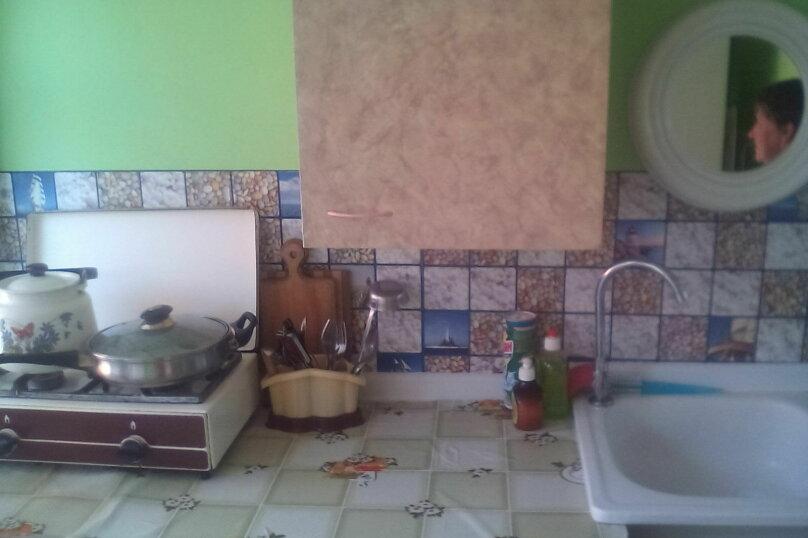 Домик, 26 кв.м. на 8 человек, 2 спальни, улица Кирова, 10, Ейск - Фотография 2