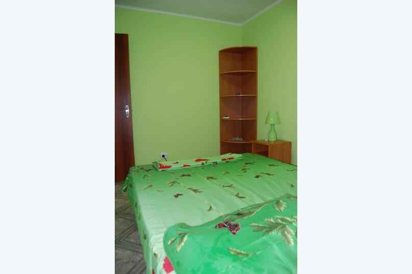 Отдельная комната, Южная, 35, Мирный, Крым - Фотография 1
