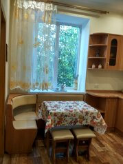 2-комн. квартира, 55 кв.м. на 4 человека, улица Ленина, 40, Алушта - Фотография 2