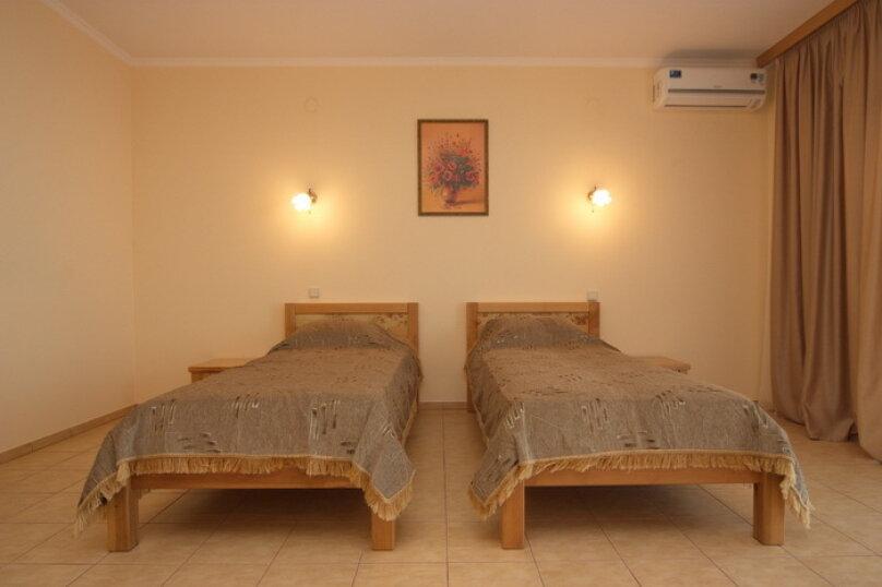 Стандарт с двумя односпальными кроватями, Можжевеловый переулок, 11-А, Алушта - Фотография 3