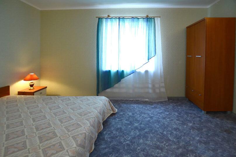 """Двух комнатный """"Люкс"""" 2-й этаж. Западный, Парниковая, 105, село Приветное - Фотография 2"""