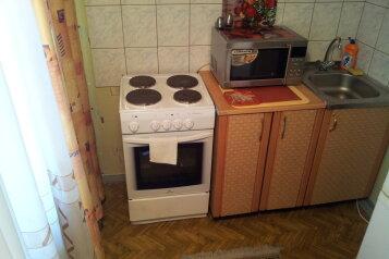 1-комн. квартира, 35 кв.м. на 4 человека, улица Циолковского, 33, Новокузнецк - Фотография 4
