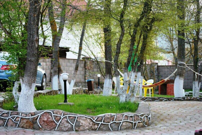 """Гостевой дом """"Кизиловое в Байдарской долине"""", Степная улица, 23-24 на 8 комнат - Фотография 2"""