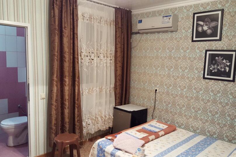 с удобствами на 2 человека, улица Крупской, 24, Адлер - Фотография 1