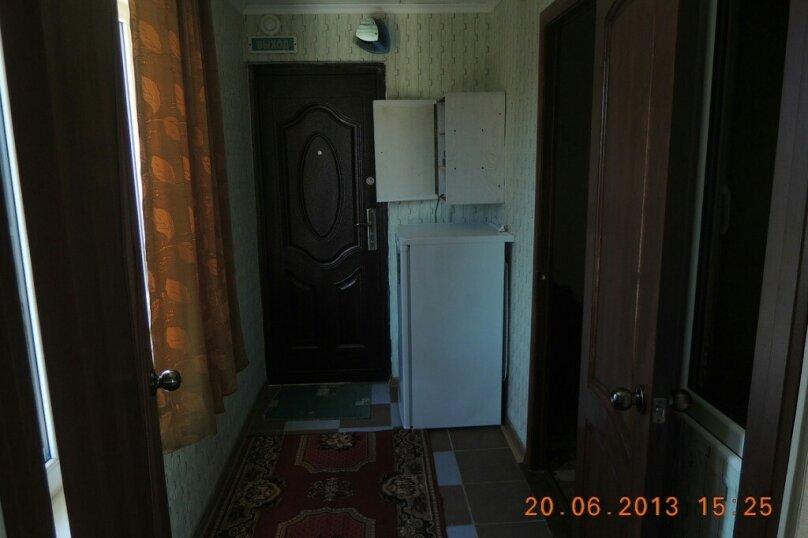 Двухкомнатный люкс, Высотная улица, 10, Голубицкая - Фотография 3