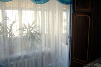 2-комн. квартира, 60 кв.м. на 4 человека, улица Бондаренко, 15, поселок Орджоникидзе, Феодосия - Фотография 3