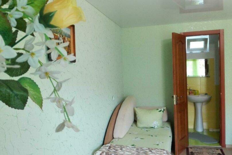 Двухместный номер с 2 отдельными кроватями и ванной комнатой, улица Гайдара, 44, Евпатория - Фотография 2