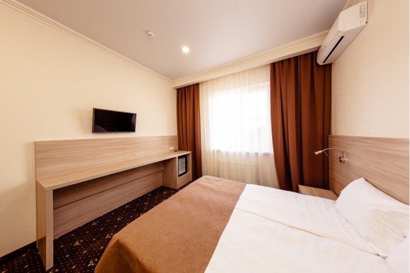 Стандартный номер с 1 кроватью или 2 отдельными, улица Бабушкина, 150, Краснодар - Фотография 4
