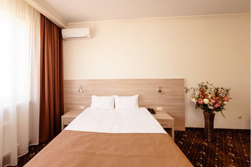Стандартный номер с 1 кроватью или 2 отдельными, улица Бабушкина, 150, Краснодар - Фотография 1