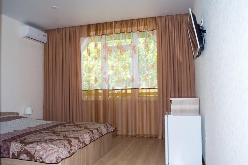 """Гостевой дом """"Родной Причал"""", улица Ленина, 134 А на 16 комнат - Фотография 43"""