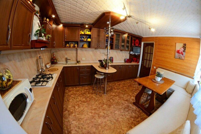 Дом, 120 кв.м. на 8 человек, 4 спальни, улица Асрет Маалеси, 48, Судак - Фотография 1