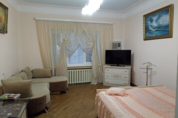 2-комн. квартира, 70 кв.м. на 4 человека, чехова, Ялта - Фотография 3