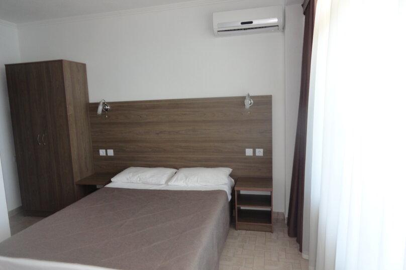 двухместный номер с одной кроватью или двумя отдельными, Набережная, 8 б, Ильич - Фотография 3