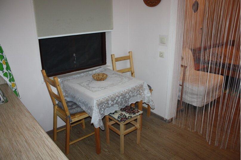 """Гостевой дом """"Семейный"""", Услара, 9 на 3 комнаты - Фотография 20"""