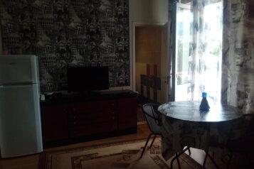 стандартный трехместный номер:  Номер, 3-местный, Гостевой дом, Армавирская улица, 54 на 9 номеров - Фотография 3