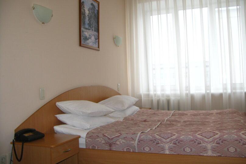 Стандартный двухместный номер с 1 кроватью или  2 раздельными кроватями, Президентский бульвар, 13, Чебоксары - Фотография 3