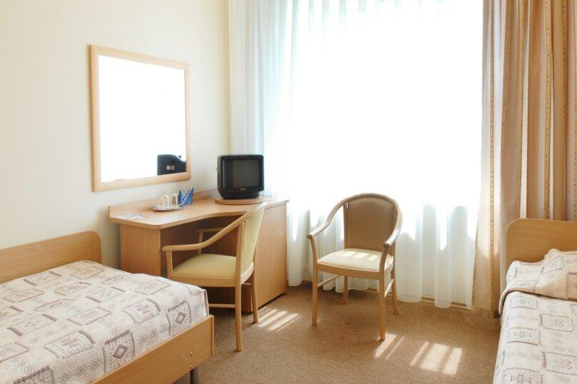Стандартный двухместный номер с 1 кроватью или  2 раздельными кроватями, Президентский бульвар, 13, Чебоксары - Фотография 1