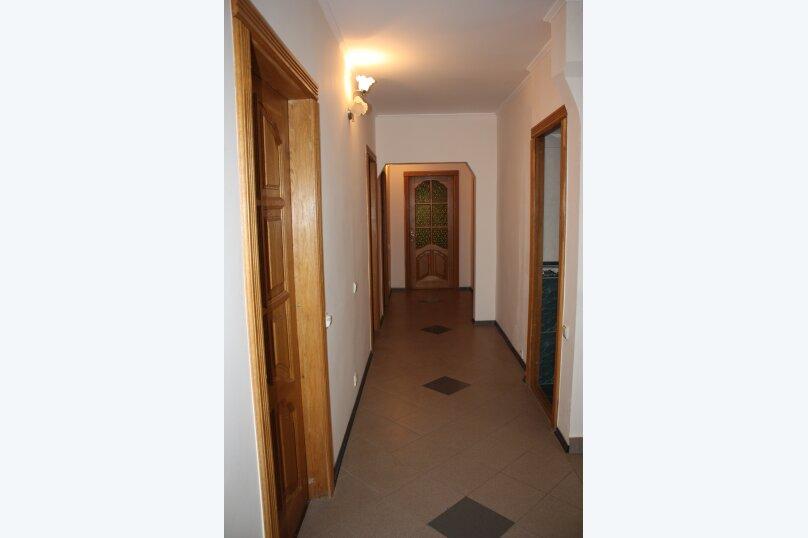 3-х этажный частный дом с видом на море и горы, 8 комнат, до 20 человек. ЮБК, 400 кв.м. на 20 человек, 7 спален, Князя Потемкина Таврического, 59, Понизовка - Фотография 8