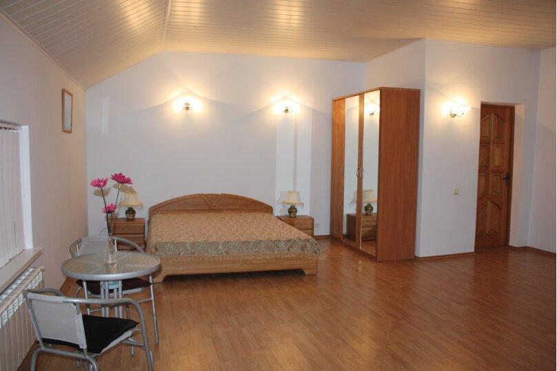 3-х этажный частный дом с видом на море и горы, 8 комнат, до 20 человек. ЮБК, 400 кв.м. на 20 человек, 7 спален, Князя Потемкина Таврического, 59, Понизовка - Фотография 9