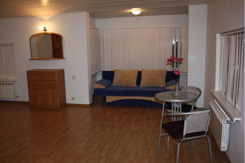 3-х этажный частный дом с видом на море и горы, 8 комнат, до 20 человек. ЮБК, 400 кв.м. на 20 человек, 7 спален, Князя Потемкина Таврического, 59, Понизовка - Фотография 10