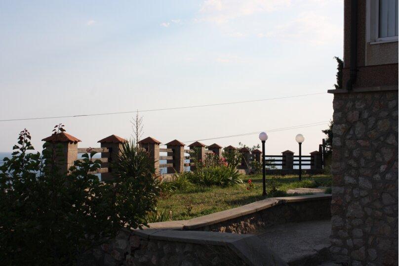 3-х этажный частный дом с видом на море и горы, 8 комнат, до 20 человек. ЮБК, 400 кв.м. на 20 человек, 7 спален, Князя Потемкина Таврического, 59, Понизовка - Фотография 11