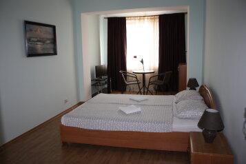 3-х этажный частный дом с видом на море и горы, 8 комнат, до 20 человек. ЮБК, 400 кв.м. на 20 человек, 7 спален, Князя Потемкина Таврического, Понизовка - Фотография 3