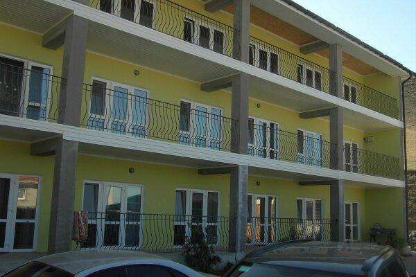 Гостиница, улица Манджил, 8 на 5 номеров - Фотография 1