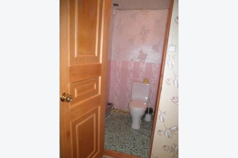"""Гостевой дом """"На Александрова 4"""", улица Александрова, 4 на 5 комнат - Фотография 51"""