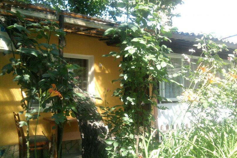 Номер с удобствами, улица Шевченко, 29, Феодосия - Фотография 1