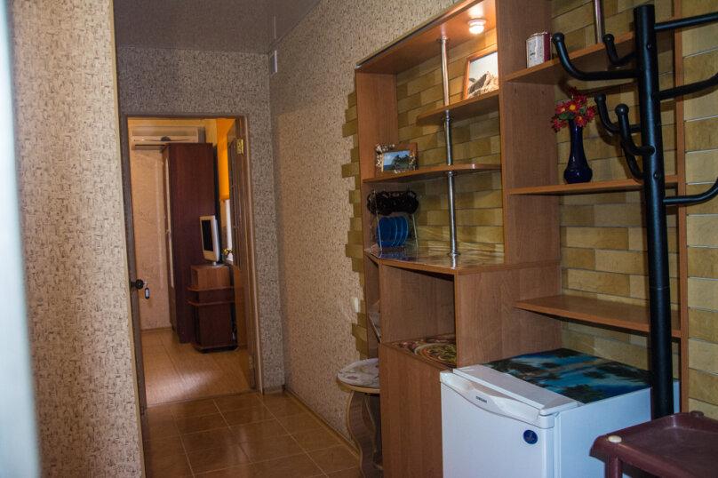 """Гостевой дом """"На 14 апреля 12"""", улица 14 апреля, 12 на 8 комнат - Фотография 3"""